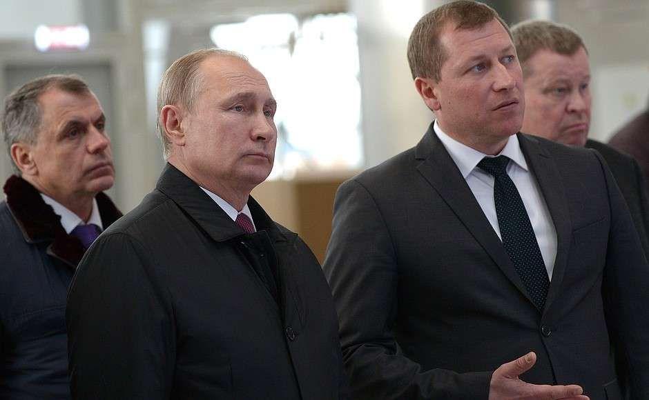 Владимир Путин в аэропорту Симферополя, 2018 год.