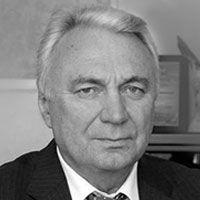 Наконец, еще один житель Горок-10 — бывший вице-премьер Олег Сосковец, уволенный Ельциным после инцидента с «коробкой из-под ксерокса».