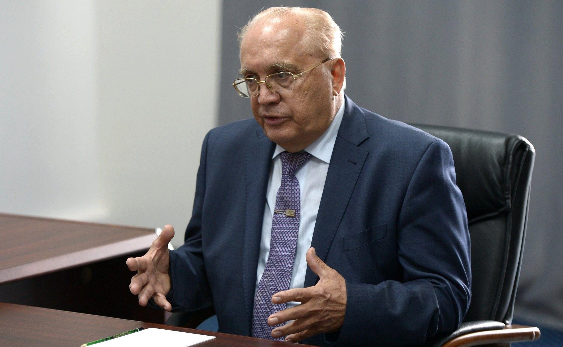 доктор физико-математических наук (с1974 года), профессор мехмата МГУ (с1975 года), ректор МГУ с1992 года.