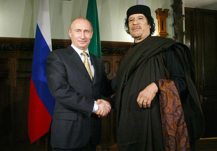 Встреча президента РФ Владимира Путина и лидера ЛивииМуаммара Каддафи вМоскве, 2008год.