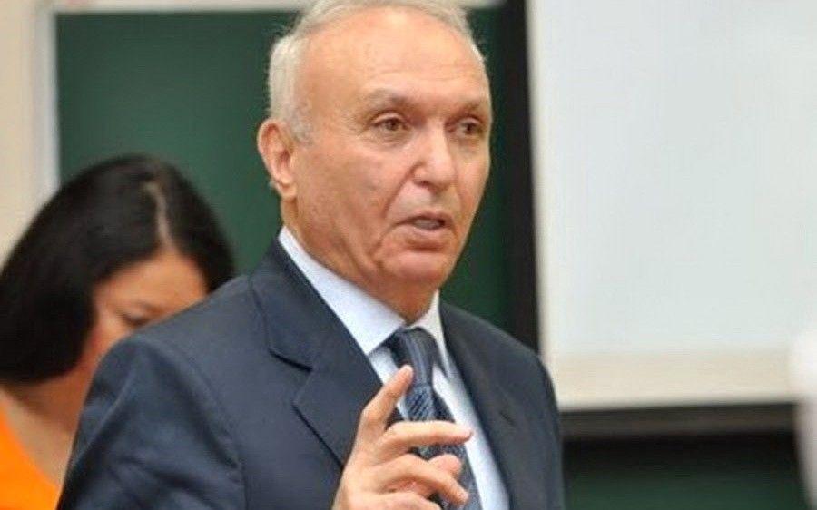 Роберт Енгибарян с1993 года возглавлял Международный институт управления МГИМО и являлся председателем диссертационного совета 209.002.01