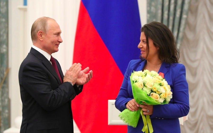 Вмае 2019Владимир Путин наградил Маргариту Симоньян орденом Александра Невского.