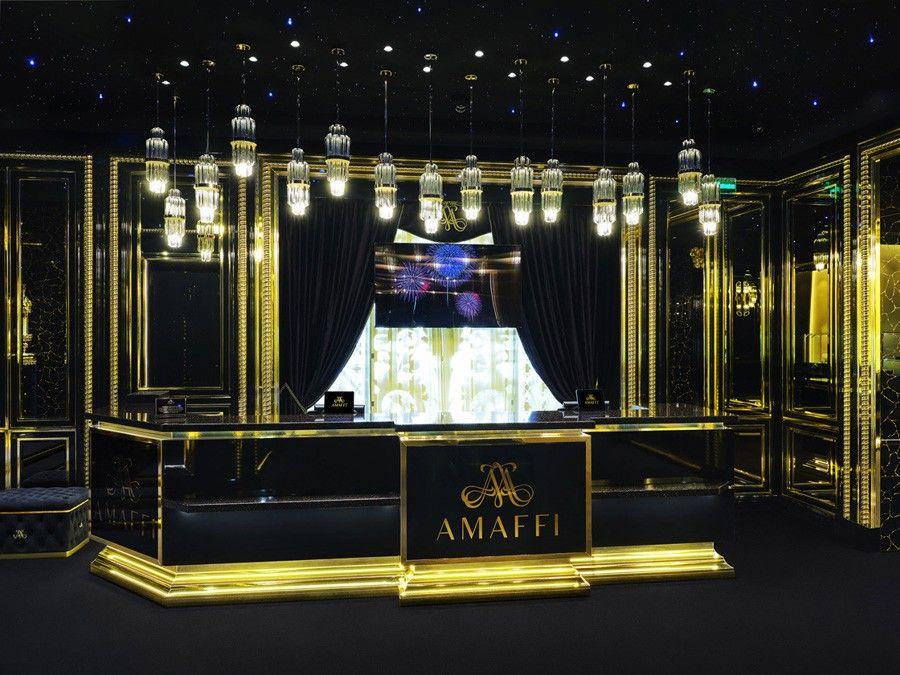 Магазин духов Amaffi вМоскве, вид на ресепшен