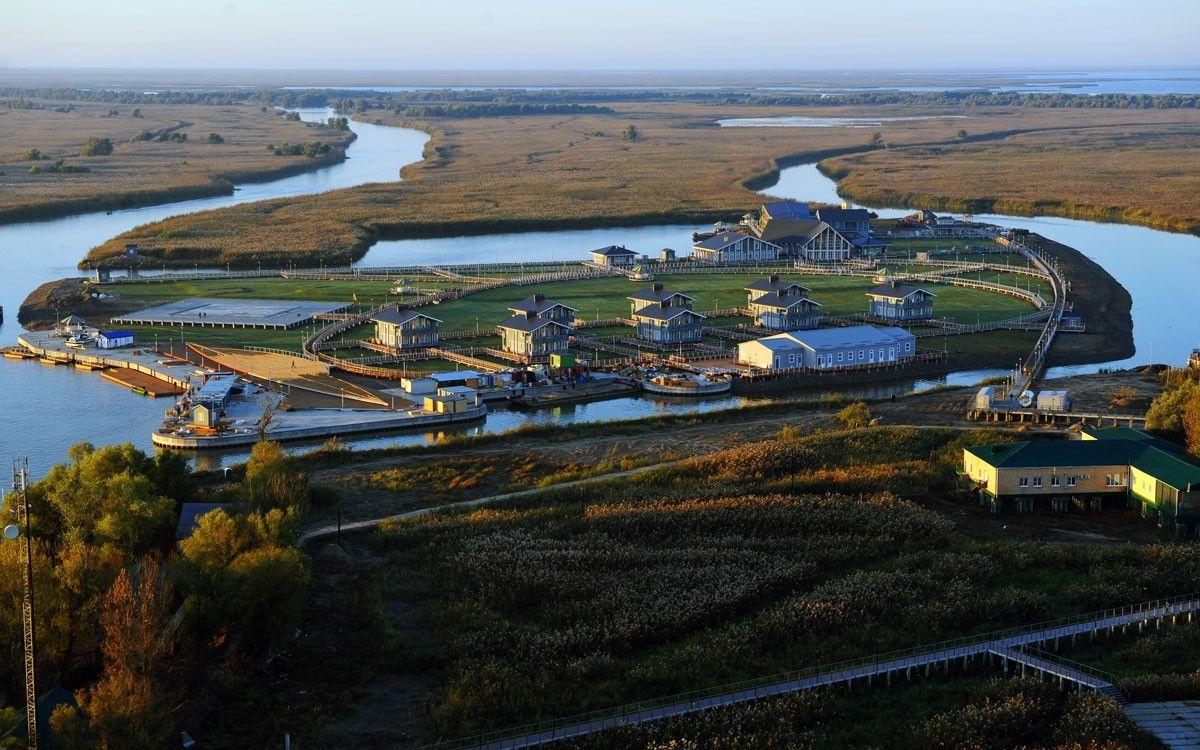 Остров Медведева, также известный как турбаза «Лотос» долго считалась построенной для Путина.